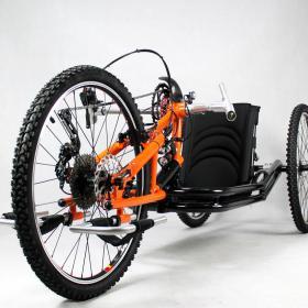 Oracing-Nat-M_Liegebike_Liegerad_Mountainbike_schwarz_orange_Scheibenbremse